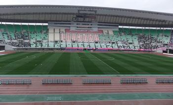 osaka_nagai-stadium2012.jpg